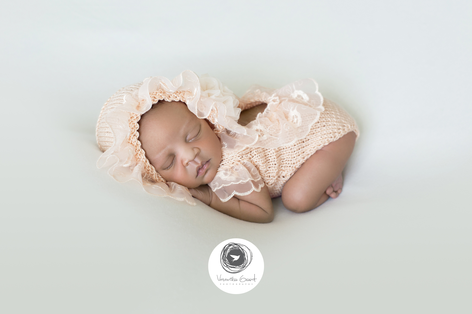Signature-Newborn-Session-AW-02