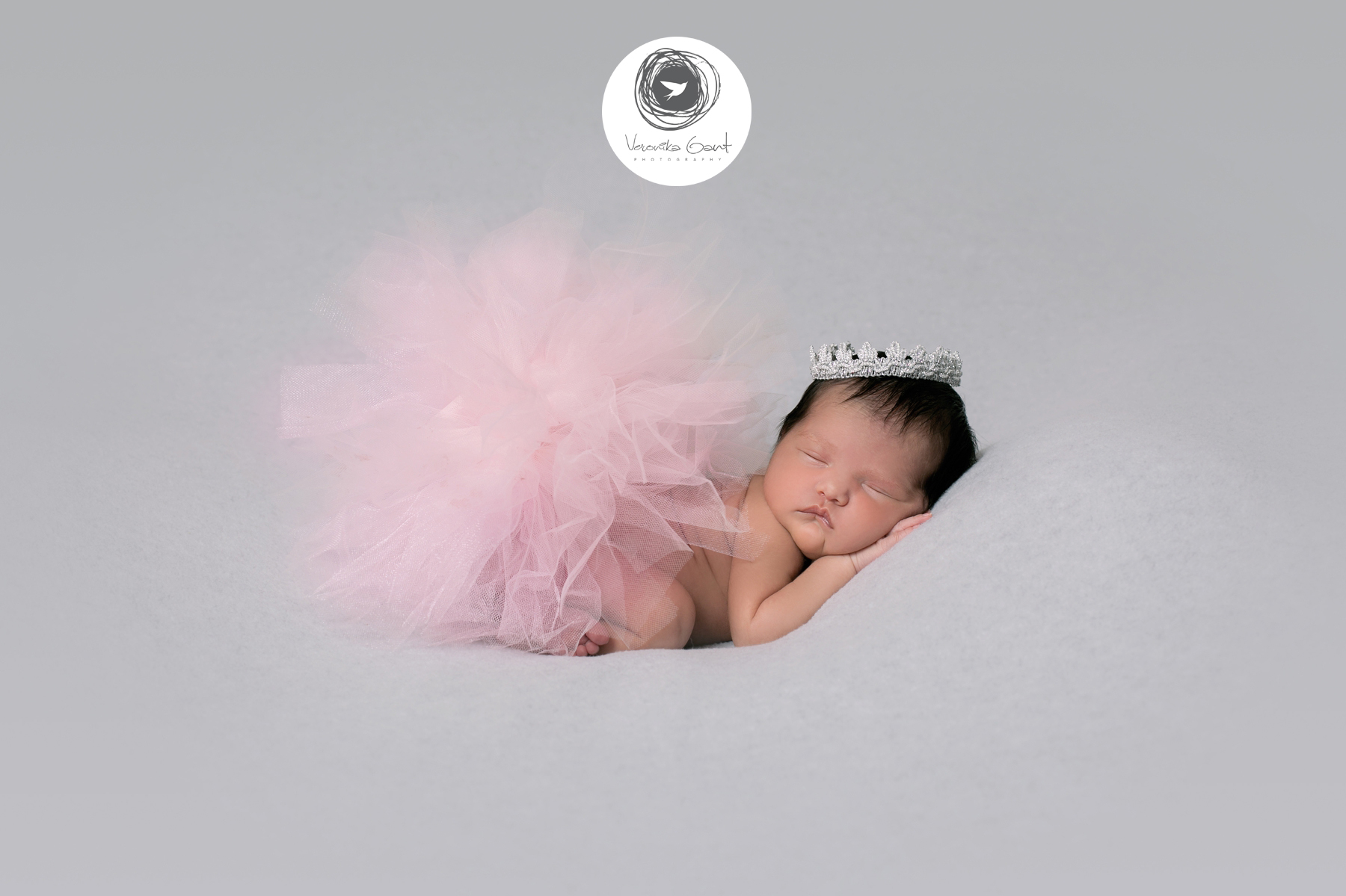Signature-Newborn-Session-with-Sophia-and-her-Parents-02